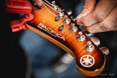 Tuning a Yamaha Pacifica. (Guitarrilia) Tags: yamaha pacifica yamahapacifica yamahaguitar
