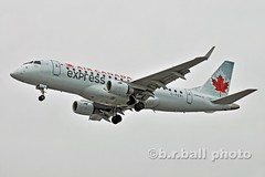 BRB_8100cesn c (b.r.ball) Tags: aviation yyz embraer torontopearsoninternationalairport torontopearson erj170200su cfeki brball aircanadaexpress ac7662