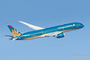 Boeing 787-9 VN-A866 VietnamAirlines 20170102 Heathrow (steam60163) Tags: boeing787 dreamliner heathrow heathrowairport vietnamairlines