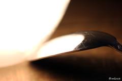 Dans La Lumière ... (Milucide !) Tags: reflet lumière cuillère