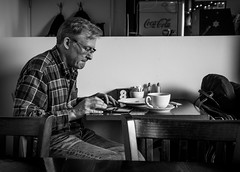 2017_011 (Chilanga Cement) Tags: fuji fujix100t x100t xseries x100s x100 x candid cafe eating lunch tablet wifi coffee latte bw blackandwhite monochrome
