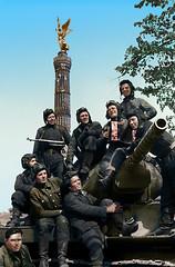 Berlin, 1945 (klimbims) Tags: berlin 1945 redarmy танкисты siegessäule