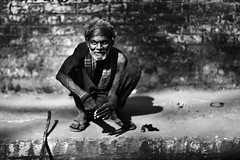 Roll along.... (N A Y E E M) Tags: oldman homeless vagabond addict weed ganja light afternoon candid street ashkardighirpar chittagong bangladesh carwindow