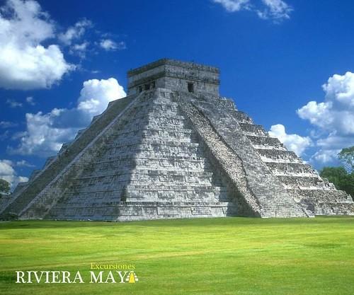 Pirámide de Kukulkan en Chichén Itzá, Yucatán, México