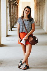 (mmoguerphotography) Tags: light sunset portrait espaa sun sunlight art girl fashion museum portraits canon painting photography sevilla spain arte photoshoot bokeh moda seville retratos desenfoque museo cuadros sunflares