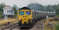 Grey days (thestig2) Tags: uk robin modern box go shed rail railway 66 class line round hood merry coal signal railways mgr creswell colliery thoresby freightliner elmton 66514