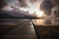 Hanalei Bay, Kauai (HI) (Daniel Imwinkelried) Tags: ocean light sunset sea summer vacation sky seascape reflection beach rain clouds island hawaii evening bay coast pier sonnenuntergang outdoor kauai hanalei 6d
