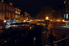 Nieuwe Rijn, Leiden | the Netherlands (frata60) Tags: city autumn netherlands night landscape licht leiden nikon nightshot herfst nederland wideangle tokina d200 avond centrum 1224mm stad landschap verlichting avondfotografie groothoek nieuwerijn koornbrug