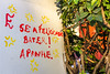 Felicidade (Mauriciovitch) Tags: muro art wall arte aviso felicidad hapiness advise consejo recado conselho