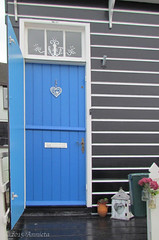 Blue monday ( Annieta  - on/off) Tags: door blue oktober holland netherlands dutch canon blauw nederland powershot bleu porte isle marken allrightsreserved ijsselmeer deur eiland 2015 coth oudhollands annieta sx30is usingthisimagewithoutmypermissionisillegal