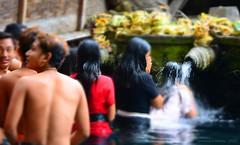 gunungkawi15 025f (dibattista) Tags: bali water indonesia spring holy ritual fonte sacro ablutions rituale gunungkawi