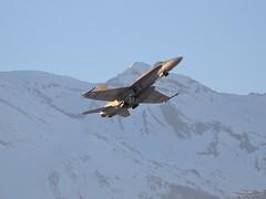 IMG_4679 (fab spotter) Tags: avions armee extérieur ecureuil f18 f5 hélicoptéres hornet pilatus j3 swissairforce wef2017 alouetteiii sion paysage montagne suisse dauphin
