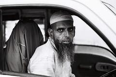 (Sébastien Pineau) Tags: inde india ujjain madhyapradesh mp man hombre homme retrato portrait portraiture barba beard barbe scan car coche voiture sebastienpineau bw nb blackandwhite noiretblanc blancoynegro film scanned scaner asia asie sébastienpineau musulmán muslim musulman analog analogic analogue pellicule roll argentique pineau