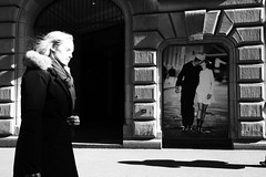 Looking Away (Ivan Rigamonti) Tags: zurich streetphotography couple kiss