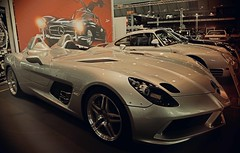Retro Classics - Mercedes-Benz SLR Stirling Moss (Niwi1) Tags: rarität mercedesbenz sportwagen slr mclaren vehicle automobile auto mobile indoor nikon niwi1 messe stuttgart ausstellung fair exhibition car