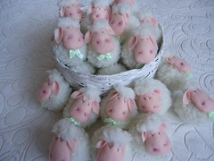 Lembrancinha de Batizado (Gato & Sapato) Tags: ovelhinha lembrancinhanascimento lembrancinhabatizado lembrancinhachbeb