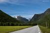 Having a break (Daniel Moreira) Tags: road sky mountains norway canon eos norge mark norwegen céu 63 ii 7d noruega rv linge norvegia montanhas trollstigen andalsnes noorwegen norvège norwegia