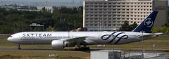 Boeing 777-328 F-GZNN (707-348C) Tags: paris passenger boeing triple airliner airfrance cdg jetliner degaulle boeing777 afr lfpg skyteam b773 b77w fgznn