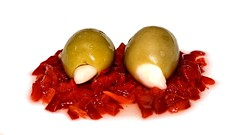 Food Porn:  Garlic Stuffed Olives (Oliver Leveritt) Tags: food flash foodporn olives garlic speedlight pimiento sb800 stuffedolives afsvrmicronikkor105mmf28gifed oliverleverittphotography nikond610