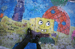 my feet on the marketplace of matala 1 (Bilderschreiber) Tags: foot cartoon picture hellas kreta bob ground greece spongebob crete marketplace sponge griechenland matala fus