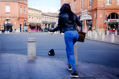 Windy (salviphoto) Tags: street hat vent wind chapeau toulouse