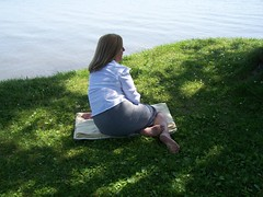 2189084360105309709VRXwww_fs (Zappacity) Tags: park sexy blanket barefoot reclining milf soles anklet businesswoman
