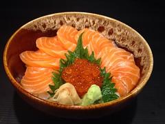 Salmon Don ข้าวหน้าปลาแซลมอน ร้าน Waza Sushi