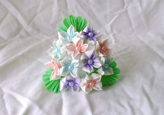 DSCF4111 (EruwaedhielElleth) Tags: flowers flower hair handmade fabric hana accessory tsumami kanzashi zaiku imlothmelui