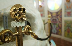[...] a little bit of anatomy (Insher) Tags: skull art decor museum swarovski kristallwelten wattens austria österreich tirol