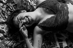 Good Morning 88 (Cadu Dias) Tags: luz natural light manhã good morning goodmorning nikon df 35 35mm pb bn bw grain book preto branco brazil brazilian brasil cama bed cadu dias cadudias cadupdias day nikondf female feminilidade grão woman girl mulher hot prime lens portrait retrato monochrome people ritratti monocromático bedroom bom dia window janela