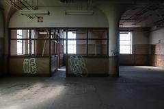 Offices (Pas (sQualie)) Tags: toronto ontario graffiti nikon peelingpaint ue urbex pilars uer 2013 nikon1755mmf28 d7000