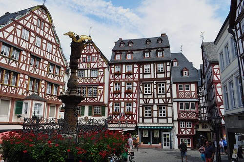 Marktplatz, Bernkastel, commune de Bernkastel-Kues, landkreis de Bernkastel-Wittlich, Rhénanie-Palatinat, Allemagne.