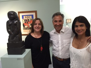 Guigui de la Torre with collectors Andres  Vicentini and Claudia Angnisano at Ascaso Galle