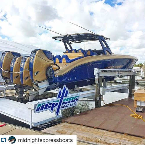 #Repost @midnightexpressboats  Midnight Express 43' Open Ulysse Nardin Edition first to move in at Ft Lauderdale International Boat Show!