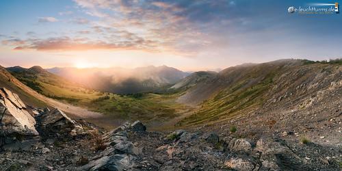 Sunrise on Slate Pass