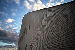expongo anch'io (pamo67) Tags: wood lines architecture clouds back nuvole rear perspective retro stucture legno prospettiva rho dietro linee struttura expo2015 zero0 pamo67 pasqualemozzillo padiglionezero pavilionzero