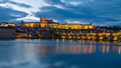 Prask hrad od Novotnho lvky (cz.fabijan) Tags: bridge castle prague charles praha most vltava hrad moldau karlv prask novotnholvka