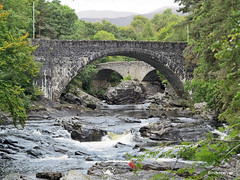 """Old and """"new?"""" bridges at Invermorriston (Mike Colyer) Tags: lighthouse castle college beach university cathedral harbour drawbridge standrews lowtide lochness inverness urquhart nairn fortgeorge chanonrypoint invermoriston"""
