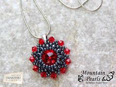 Beaded pendant, Red Swarovski rivoli, Superduo beads, Miyuki rocailles (mountain.pearls) Tags: red mountain beads jewelry pearls swarovski miyuki rivoli pendant kristali kutin rocailles nataa nakit rdea obesek darilo superduo hozjan