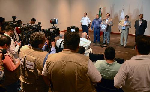 El gobernador Javier Duarte de Ochoa en Conferencia de Prensa.