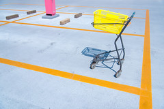 Rooftop car park (Yuta Ohashi LTX) Tags: line yellow red parking lot rooftop 屋上 駐車場 japan 日本 shopping cart trolley basket car 買い物カゴ