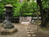 Santuario Ueno Toshogu, Parque Ueno, Tokio (Pablo F. J.) Tags: santuario shrine tokugawa templodeoro 1651 edoperiod periodoedo linterna lantern verano summer patrimonio heritage arquitecturatradicional traditionalarchitecture