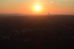Westwärts (simon.stoelben) Tags: bottrop tetraeder halde pile industry ruhrgebiet sun sunset orange sundown sunny winter january evening horizon
