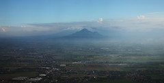 IMG_5847_RAW (jeremy!) Tags: garudaindonesia indonesia surabaya surabaya2016 canoneosrebelt1i canon1740mm