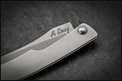 1C5A5381 (bakelite1) Tags: couteaux d2 discret alain descy cran forcé métal clip parmentier
