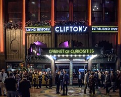 Clifton's Cafeteria (Ricardo H Photography) Tags: cliftonscafeteria cliftons broadway dtla discoverla lastory nightonbroadway