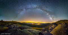 Va Lctea sobre las Cinco villas.  [Explore] (Javier Martnez Morn) Tags: sky panorama way stars landscape long exposure nightscape sony valle paisaje panoramic via toledo leon cielo panoramica nocturna cinco 12 arenas moran javier milky martinez villas starry rocas arenal gredos avila voie exposicion larga castilla milkyway mombeltran f20 lactea estrellado samyang vialactea tietar strella rokinon jmartinez a6000 lactee jmartinez76