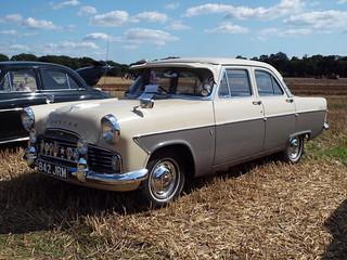 1961 Ford Zodiac mk.II 206E 4-door Saloon