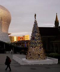 Christmas tree (Phil_Parker) Tags: birmingham christmas festive city dusk sunset buildings selfridges gold while decorations