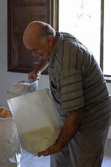 L'ultimo mugnaio in Garfagnana (Alberto Cameroni) Tags: ercolanoregoli mugnaio garfagnana pievefosciana controluce profilo leica leicaxtyp113 tradizione toscana
